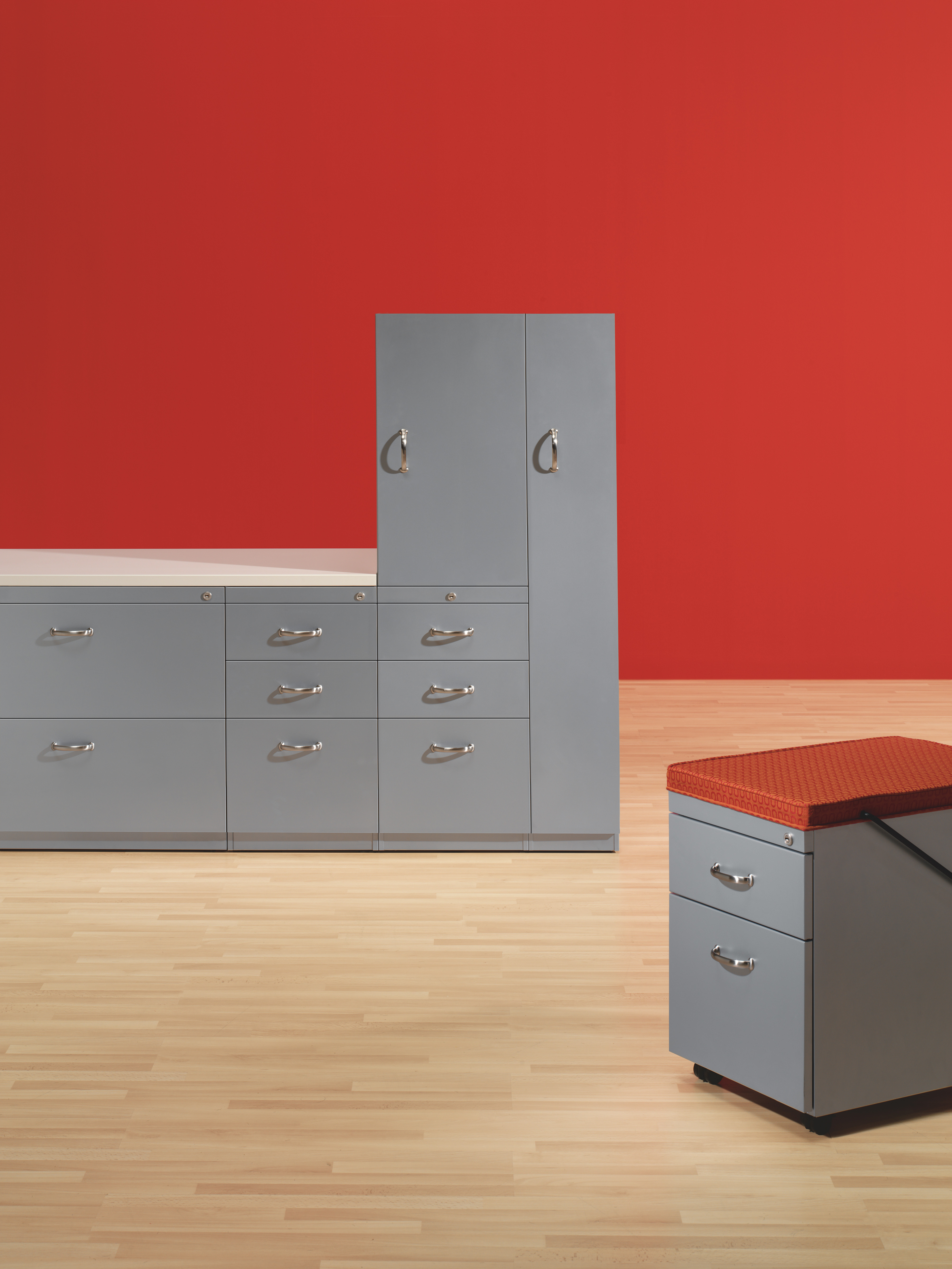 Turnstone Lateral File and Turnstone Pedestal