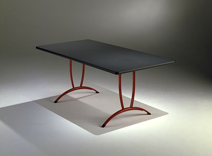 Rizzi Arc Table