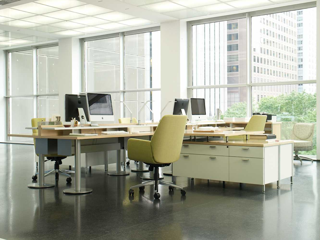 Bindu Executive Chairs with Topo Freestanding Desking