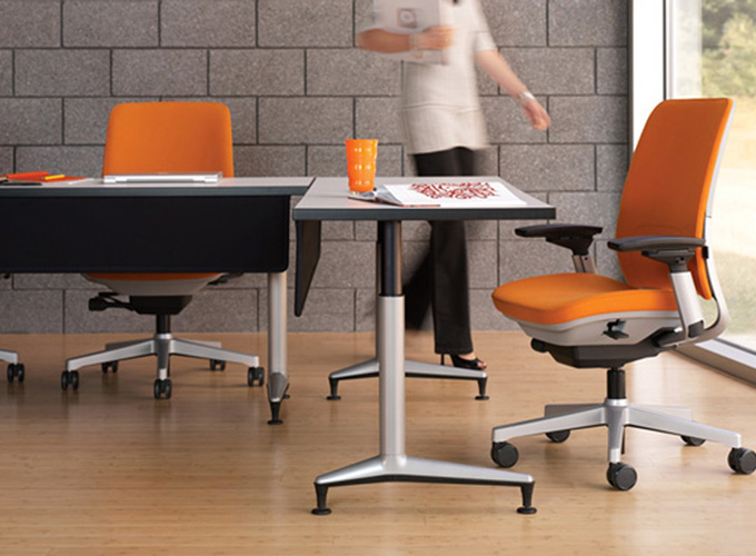 Akira Tables with Amia Chairs