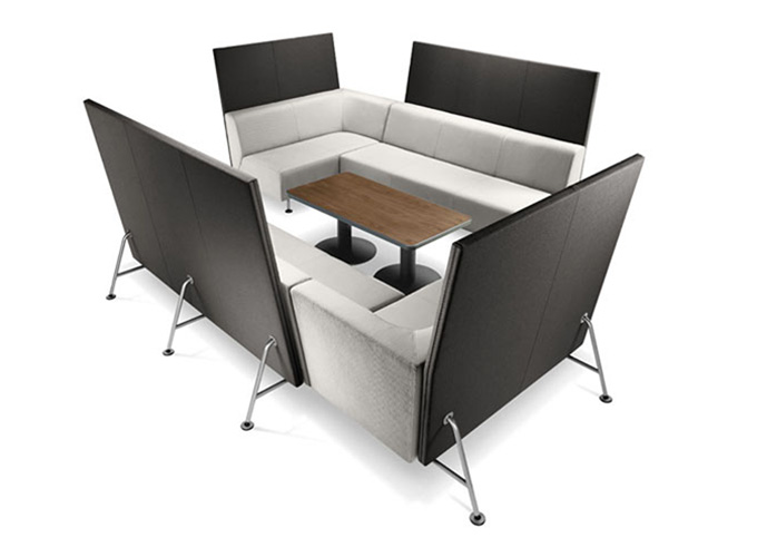Bix Lounge Chairs with Bix Table