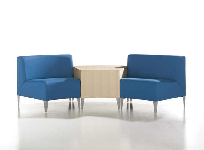 Circa Modular Seating with Circa Table