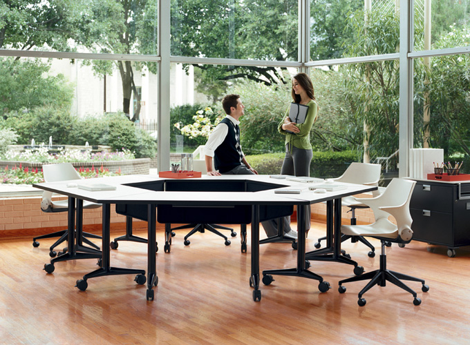 Rocky Chairs with Akira Tables