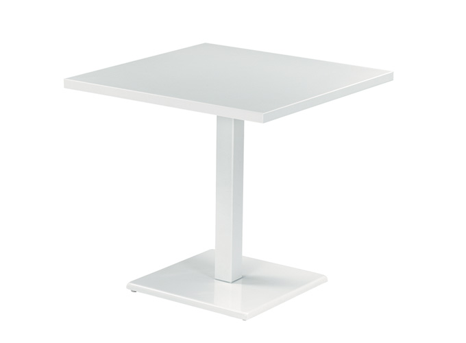 Round_Tables_enlarge_01